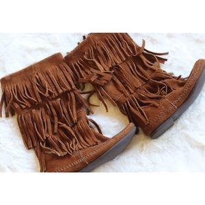 Minnetonka Shoes - Minnetonka | suede 3 tier fringe mocassin boots